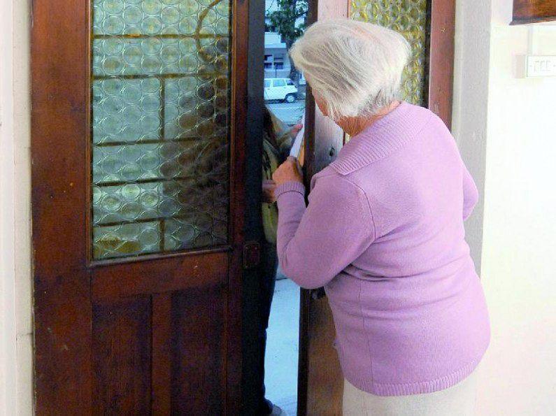 Truffe agli anziani: 15 arresti nel Napoletano