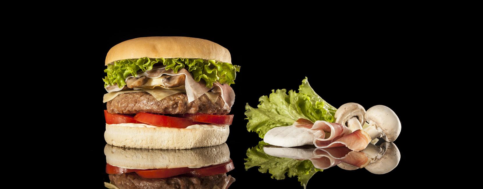 """Apre """"12 Morsi"""", un nuovo locale dove gustare tutti i tipi di hamburger"""