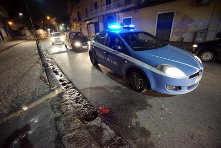 Aggredita a bastonate a Napoli: 27enne in gravissime condizioni