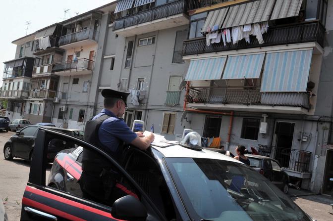 Blitz dei carabinieri nel Rione Traiano: due arresti