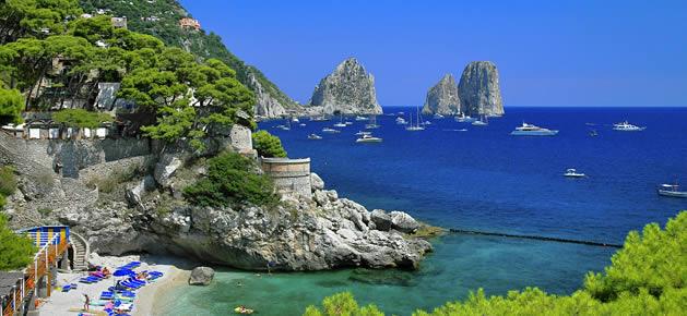 Condoni edilizi in cambio di soldi a Capri: notificate quattro misure cautelari