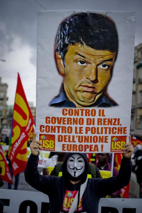 Corteo Usb a Napoli: no alle politiche del Governo Renzi