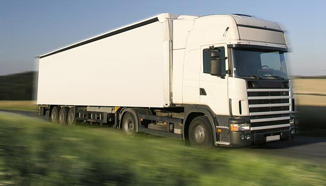 Truffe patenti per tir: pagavano duemila euro per patente CQC per la guida di mezzi pesanti