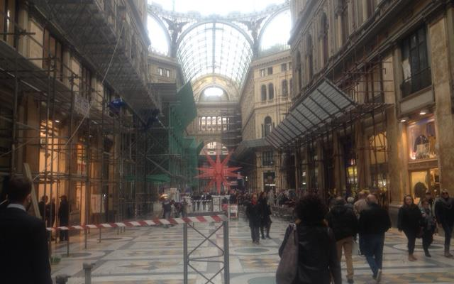 Galleria Umberto I, da Confcommercio preoccupazioni