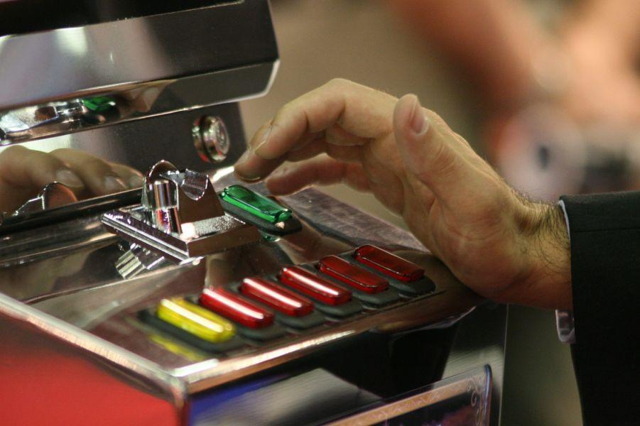 Gioco d'azzardo, Napoli contro la nuova Legge di Stabilità