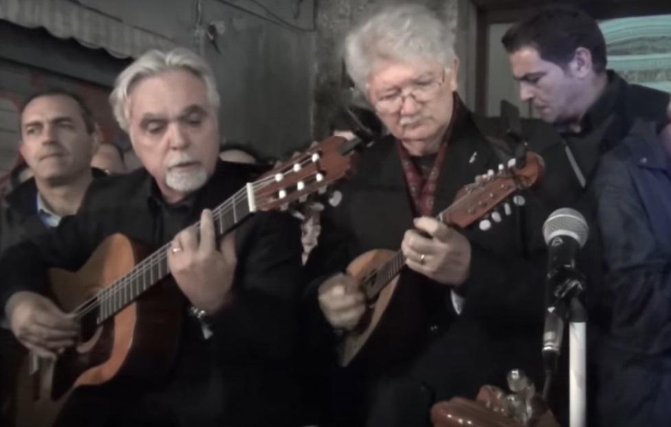 I mandolini suonano la Marsigliese a San Gregorio Armeno