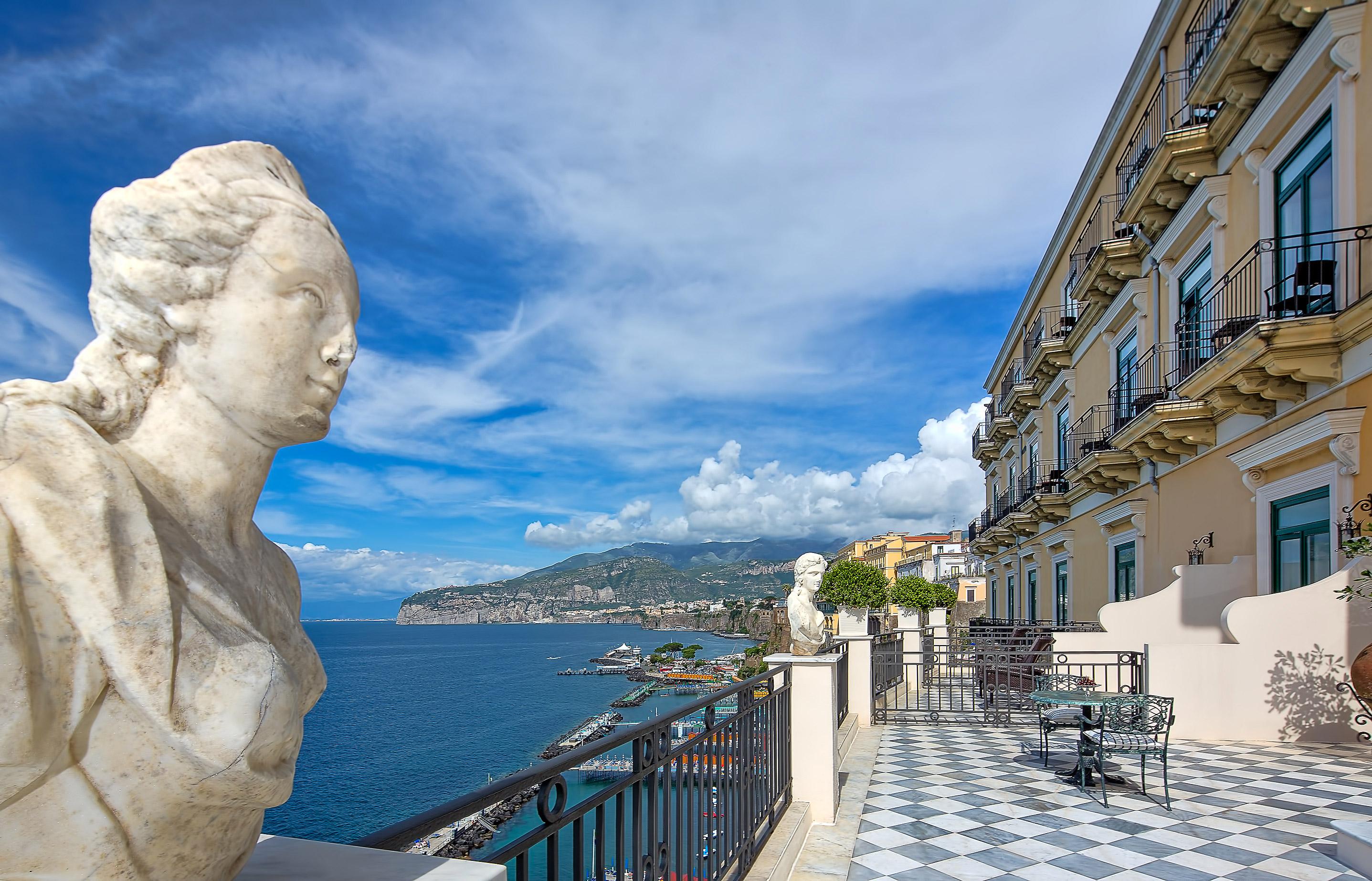 La Suite Roccia di Sorrentio è la Sexiest Room of the World