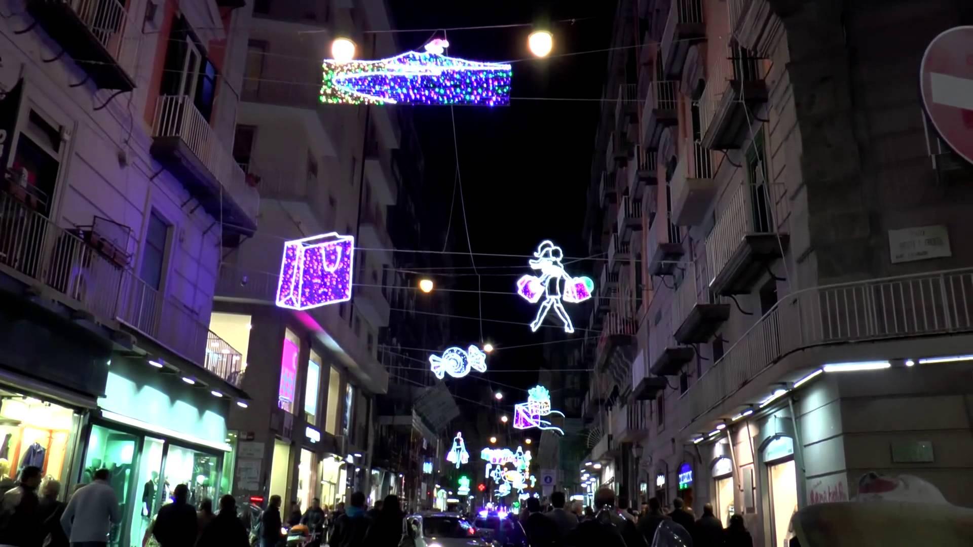 Le luci di Natale a Chiaia e Toledo saranno accese da Peppino Di Capri