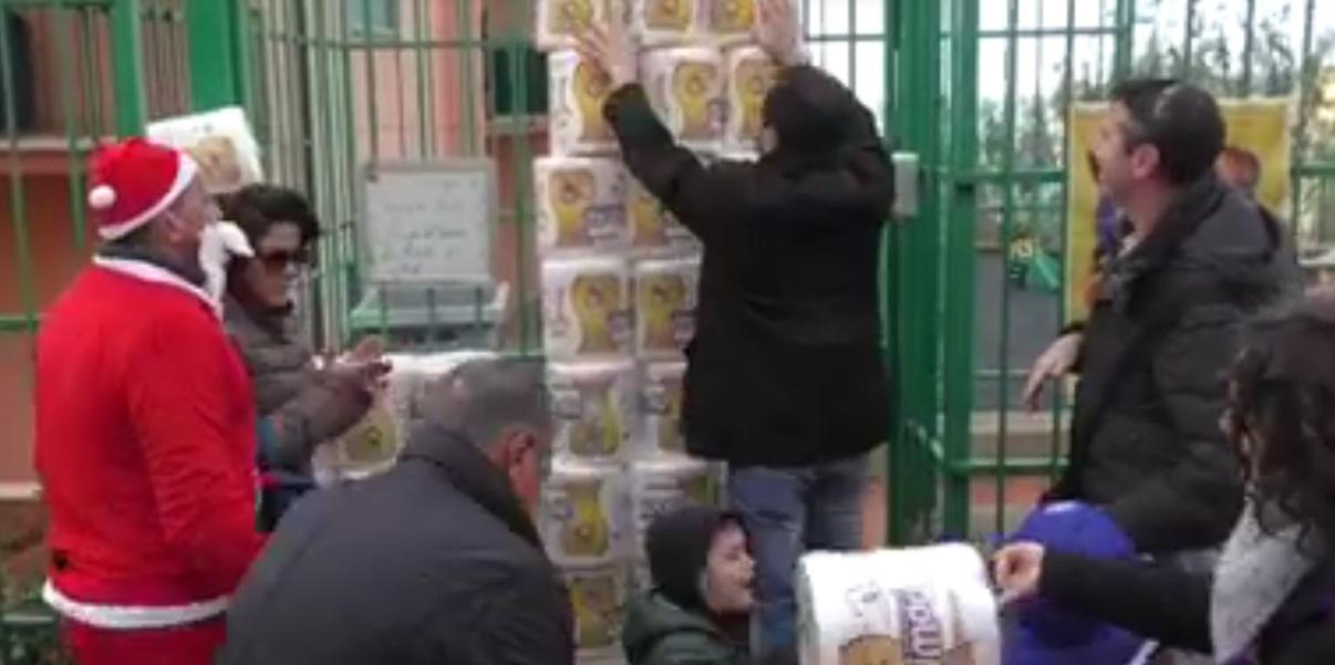 Manca la carta igienica nella scuola, ma viene rifiutata una donazione