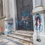 Chiesa di Santa chiara imbrattata da atti vandalici gratutiti