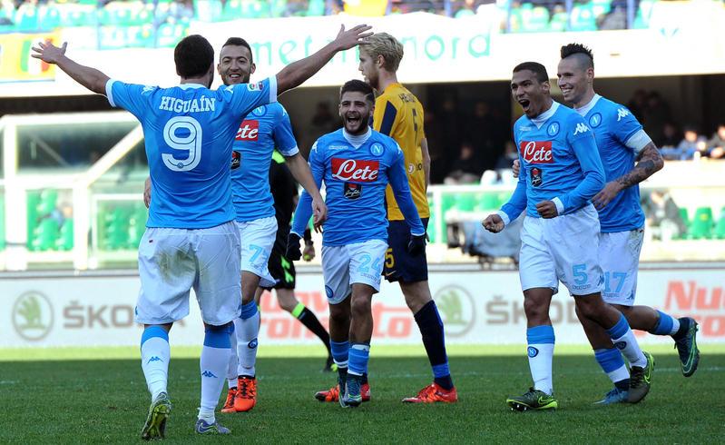 Verona Napoli 0-2, Insigne e Higuain espugnano Verona