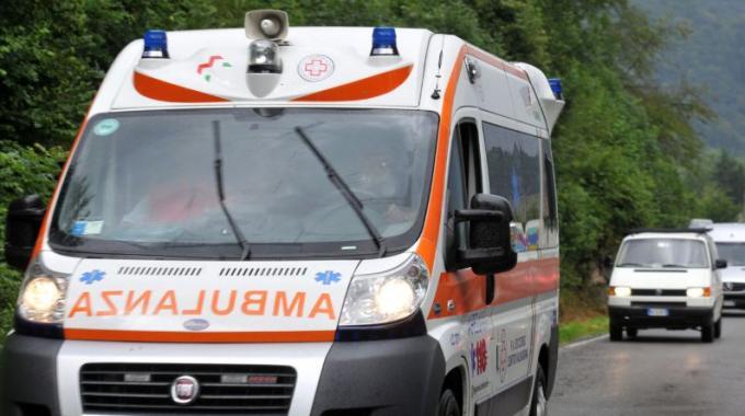 Cade da tetto a Portici: operaio perde la vita