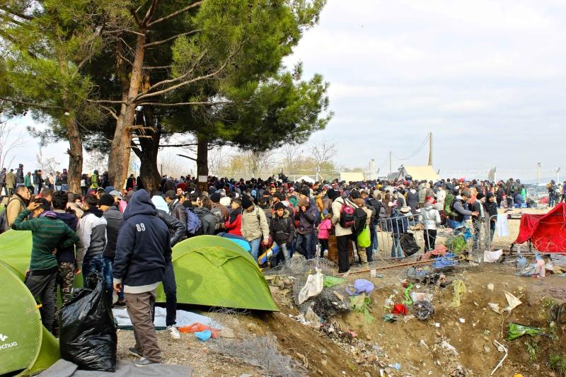 Campo profughi di Eidomeni scontri e morti