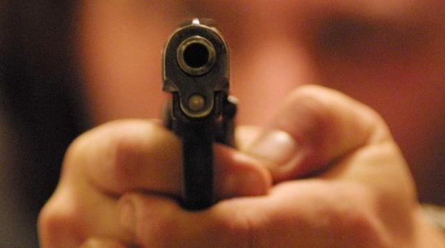 Giovane di 20 anni ferito da un colpo di arma da fuoco nel Napoletano