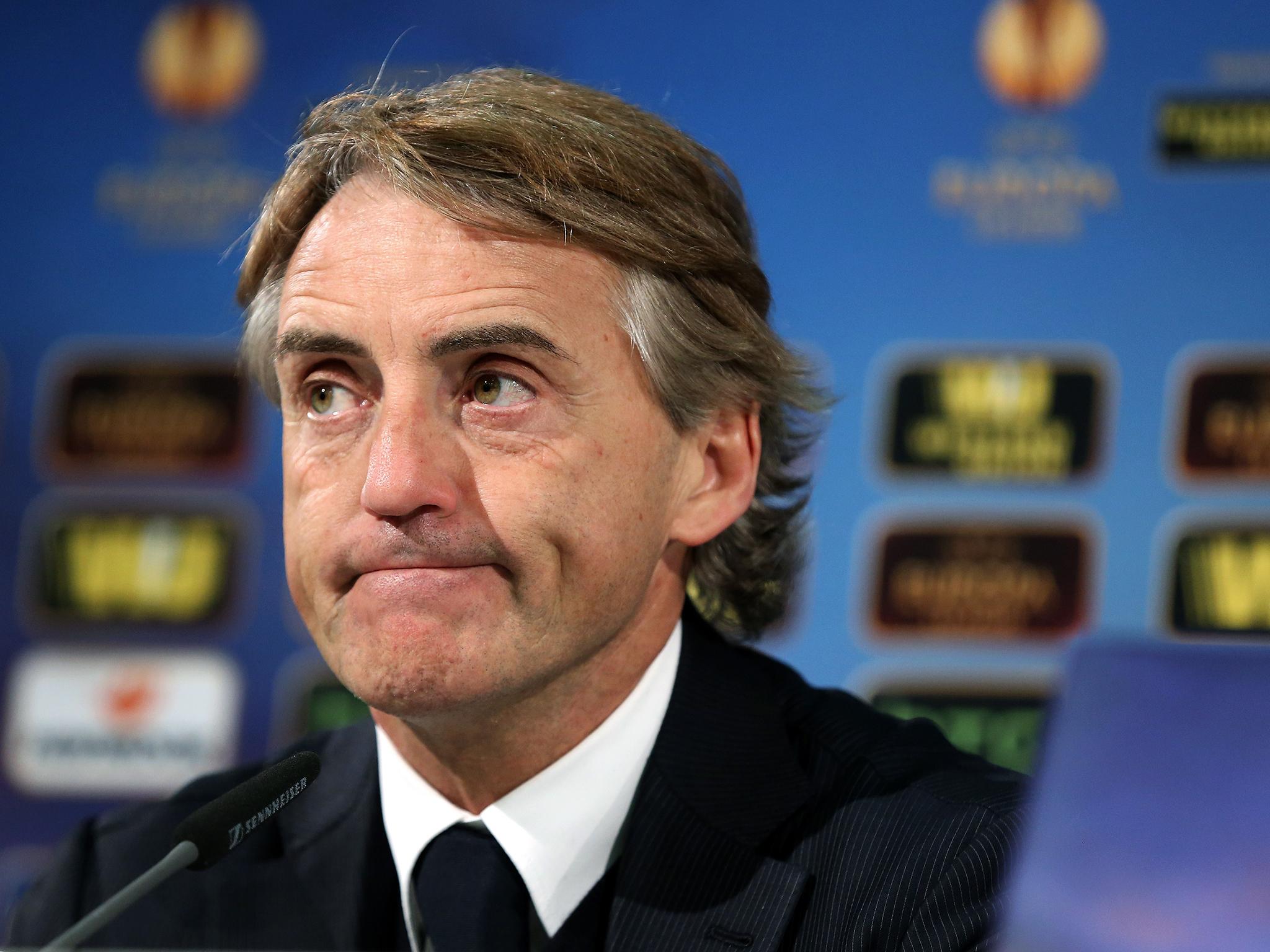 Sta tornando indietro come un vero e proprio boomerang il polverone sollevato da Roberto Mancini dopo Napoli-Inter, ormai sempre più isolato