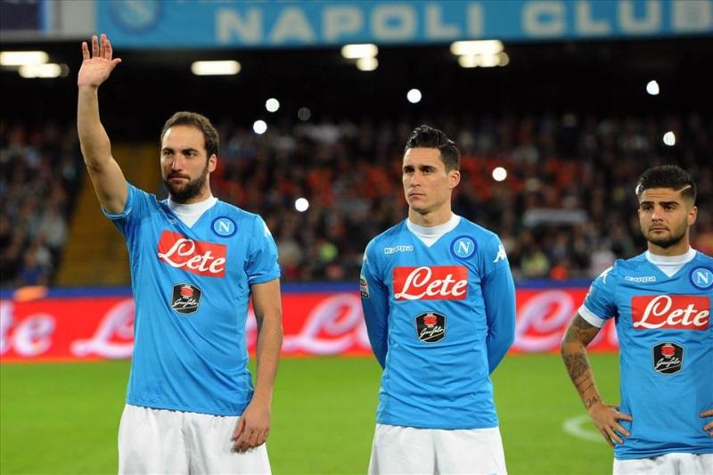 Napoli Inter 2-1, una doppietta di Higuain porta il Napoli in vetta