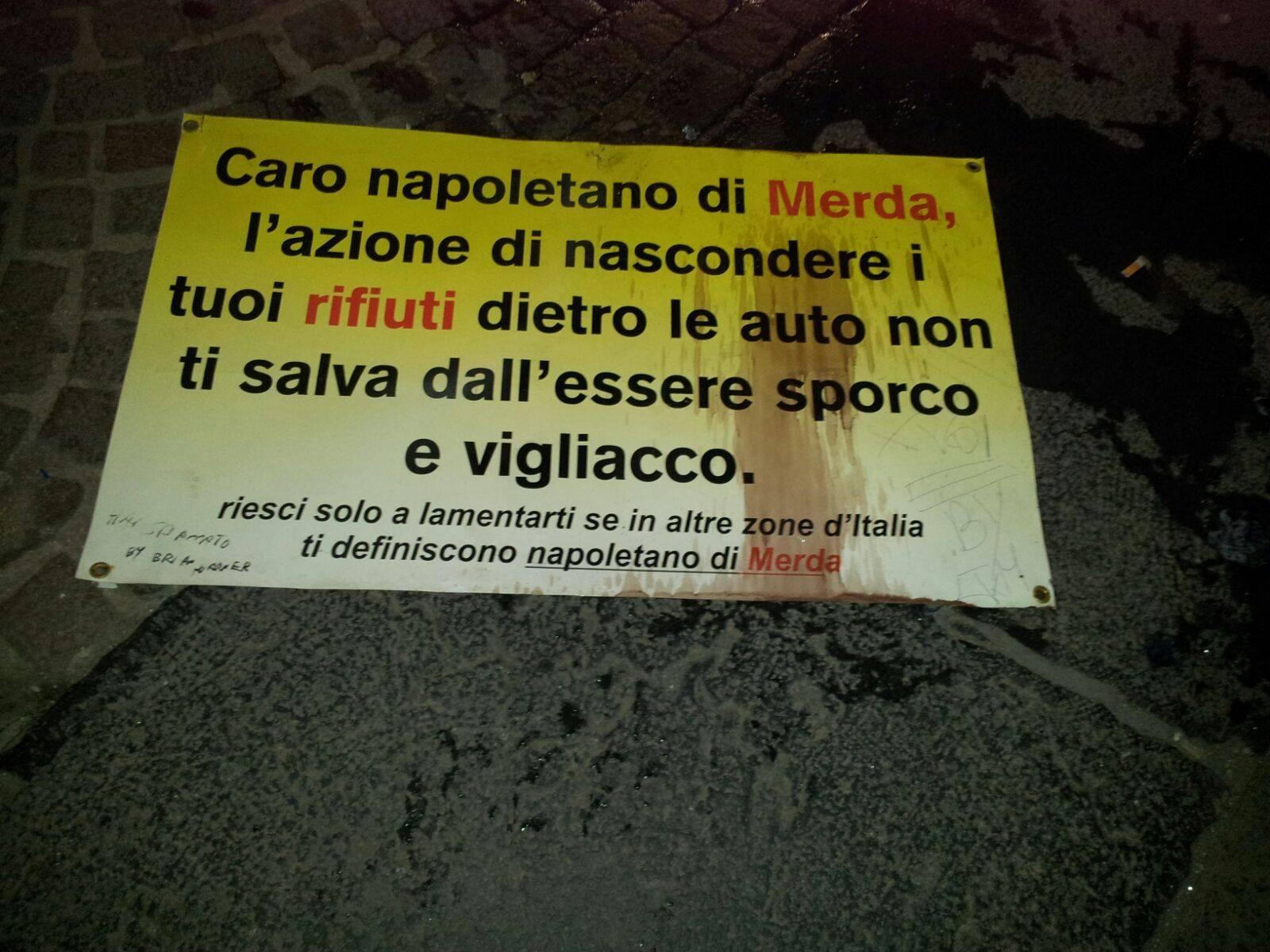 Inquietante atto vandalico a Palazzo San Giacomo