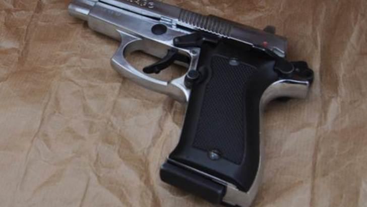 Armato in moto a Torre Annunziata, 16enne arrestato nei vicoli del clan Gionta