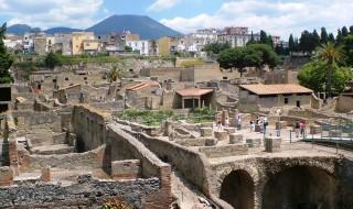 Boom di turisti in Campania nel 2019, 756mila ingressi al Vesuvio