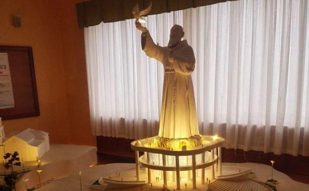 La statua più grande del mondo di San Pio a Ogliastro Cilento