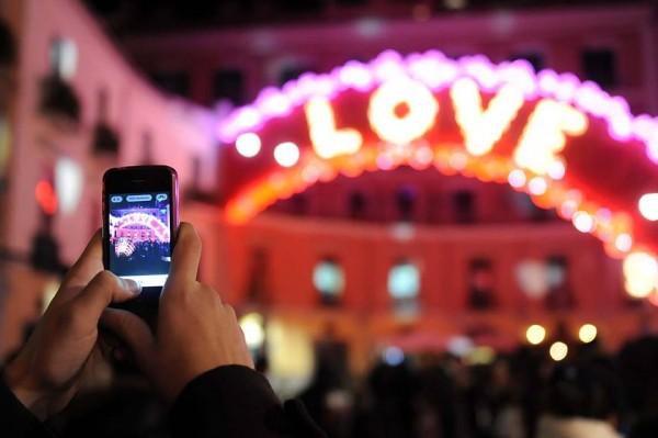 Napoli a San Valentino: una guida d'eccezione