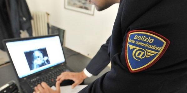 Costringeva una 14enne a inviargli video erotici, arrestato un albanese