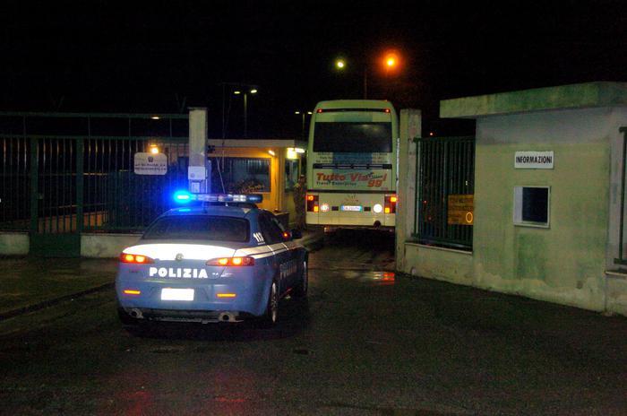 Migranti, sequestrata struttura a Licola ospitante circa 300 profughi