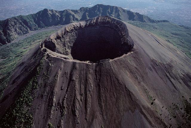 Rischio Vesuvio, in primavera le prove di evacuazione