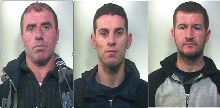Cavavano i denti alle proprie vittime: fermata banda di rapinatori albanesi nel Napoletano