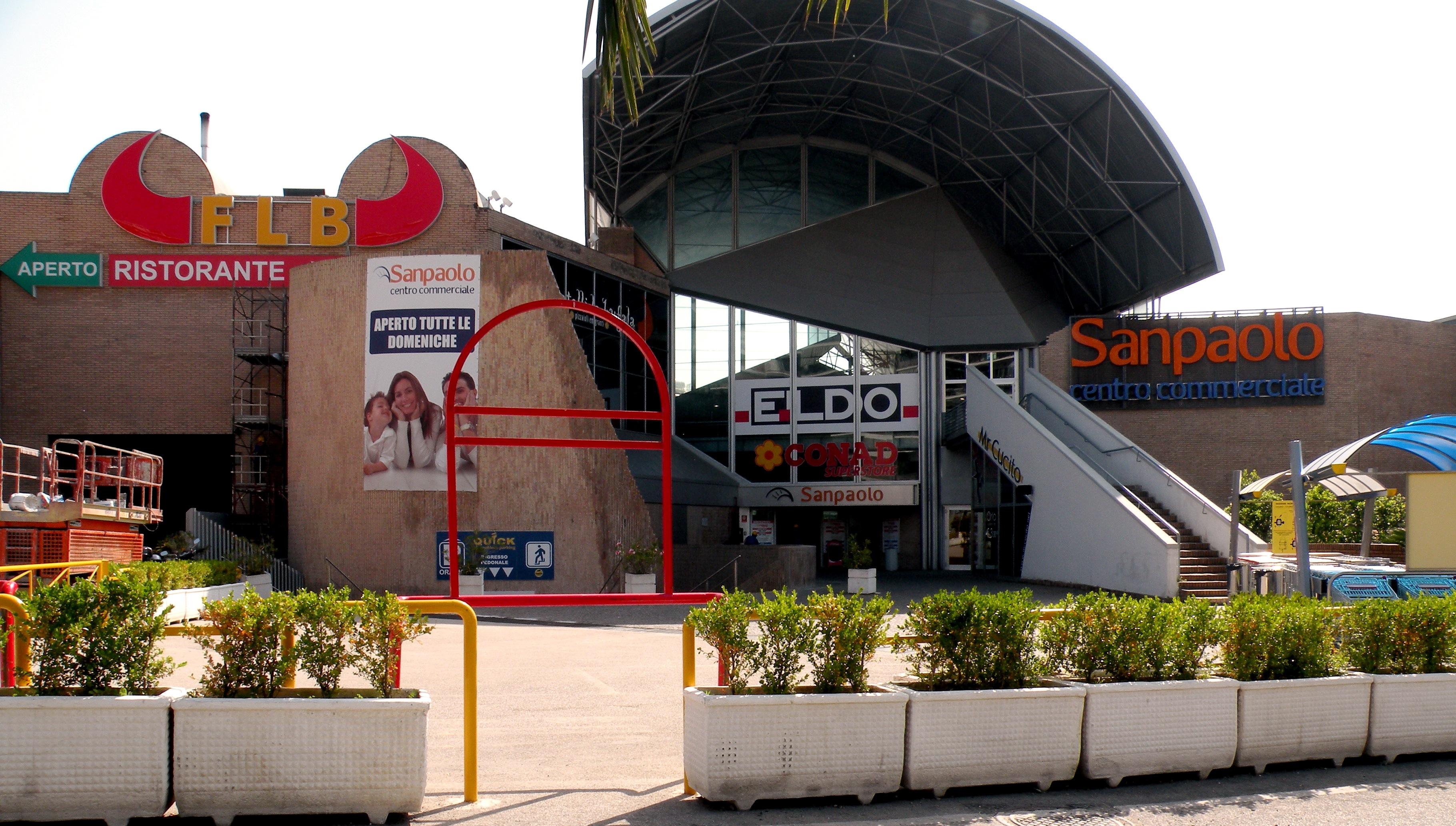 Riapre il Centro Commerciale San Paolo: un nuovo nome e tanti negozi