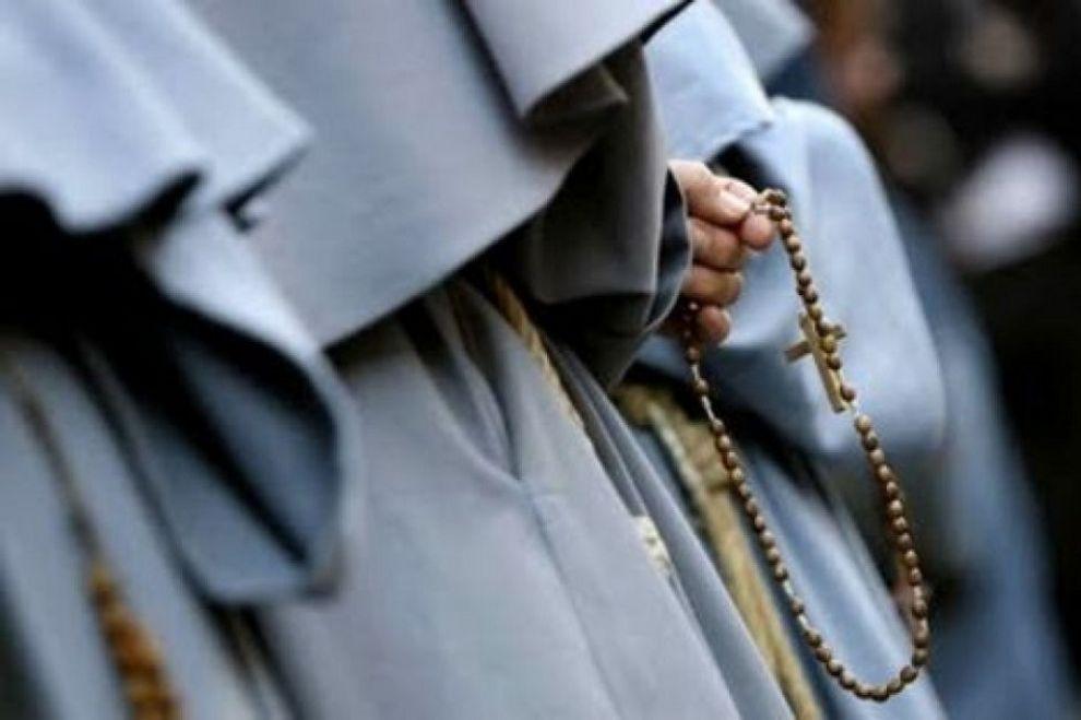 Frate indagato per violenze e maltrattamenti: suore costrette a prostituirsi
