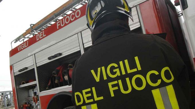 Incendi: ancora roghi in Campania