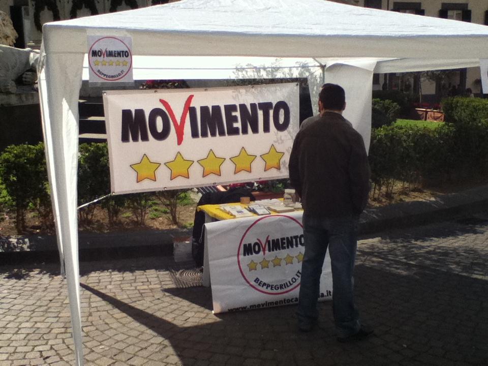 Movimento 5 stelle, espulsi 36 attivisti a Napoli: facevano parte di un gruppo segreto su Fb