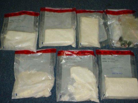 Raffineria di cocaina nel napoletano: cinque arresti