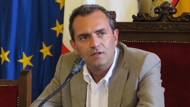 """De Magistris: """"Felice per apprezzamento napoletani, ma mio sondaggio lo faccio tastando ogni giorno la città"""""""
