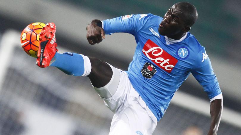 """Koulibaly, l'agente: """"Napoli club piccolo nelle strutture. Se dovesse arrivare offerta da chi fa Champions tutti gli anni…"""""""