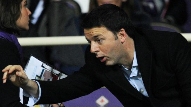 """Renzi: """"Scudetto al Napoli"""", Sarri: """"Non so quanto capisca di calcio"""""""