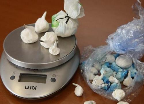 Nasconde cocaina al lavoro: un arresto nel napoletano
