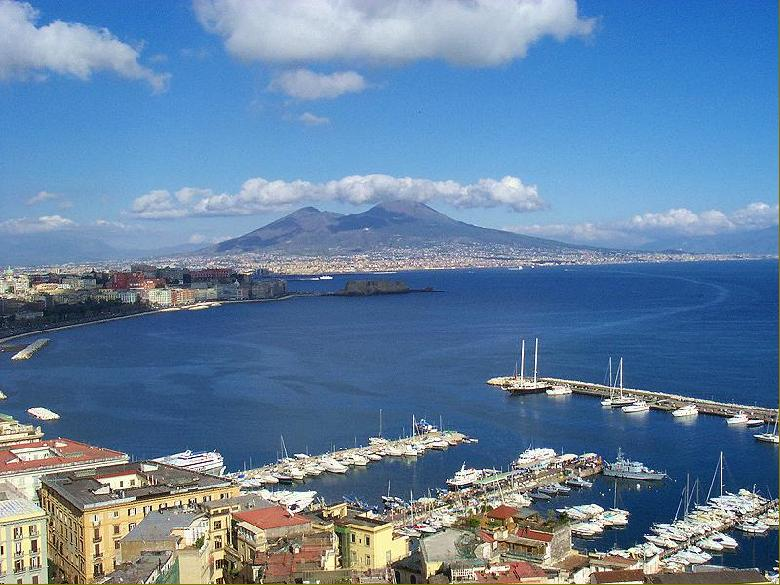 Meteo Campania, caldo e pioggia nel weekend del primo maggio