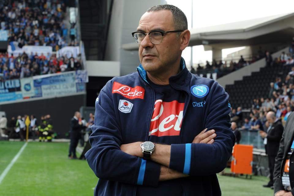 Il Napoli cade a Udine, la Juve vola a +6. Irrati espelle Sarri e Higuain