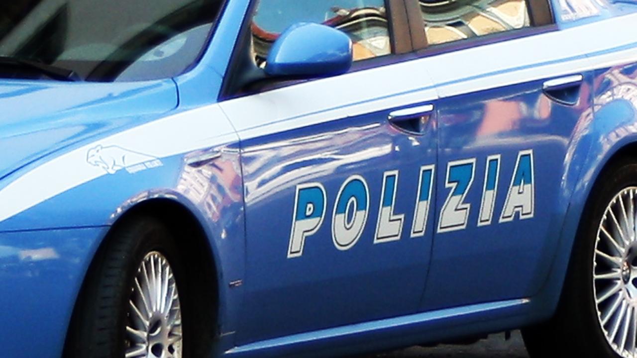 Colpi di pistola esplosi contro abitazione a Napoli