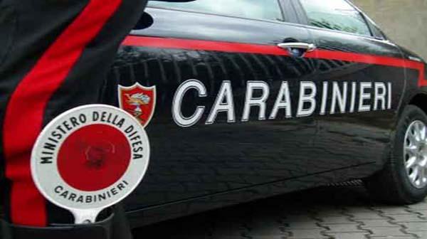 Rapinati due pregiudicati di 5mila euro nel Napoletano