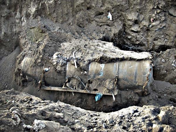 Rifiuti: pentito dei Casalesi indicò un'area per l'interramento, si scava