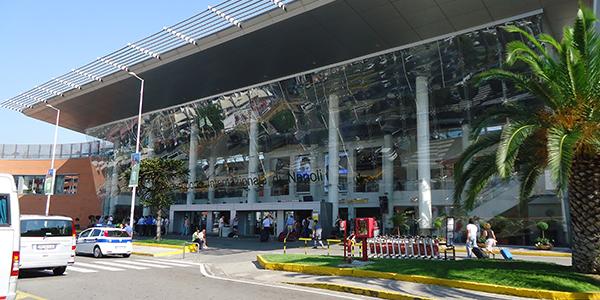 Aeroporto di Napoli: aumento traffico passeggeri, +12% da giugno a settembre