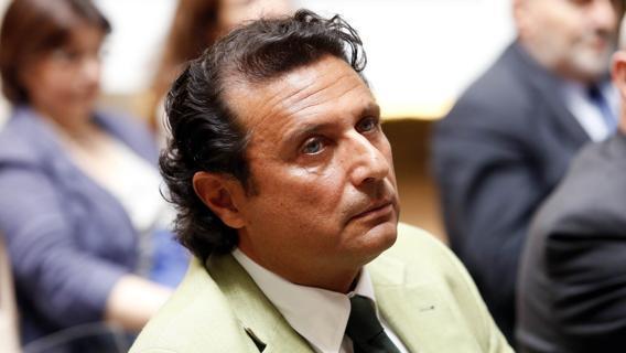 Per il naufragio della Costa Concordia la Corte di Cassazione ha condannato l'ex comandante Francesco Schettino a 16 anni di reclusione