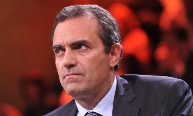 """Luigi de Magistris: """"Governo taglia i diritti dei lavorati"""""""