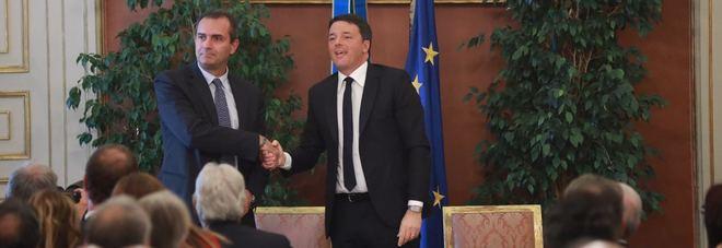 Luigi de Magistris e Matteo Renzi firmano il Patto per Napoli