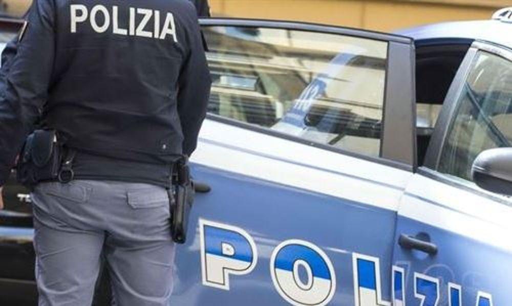 Sparatoria a Napoli: un uomo ferito alla mano