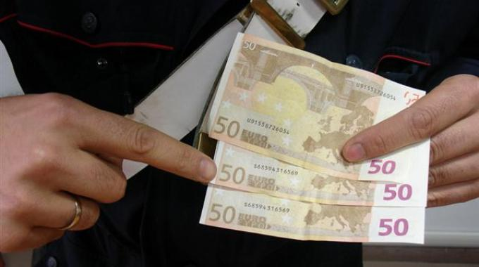 Banconote contraffatte: in manette coppia di falsari