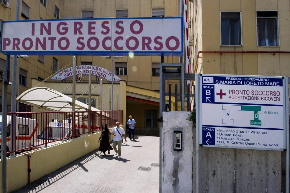Aggredita per una sigaretta a Napoli
